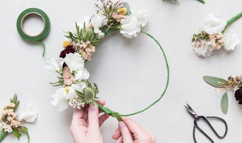 act beautiful do it yourself couronne de fleurs yves rocher. Black Bedroom Furniture Sets. Home Design Ideas